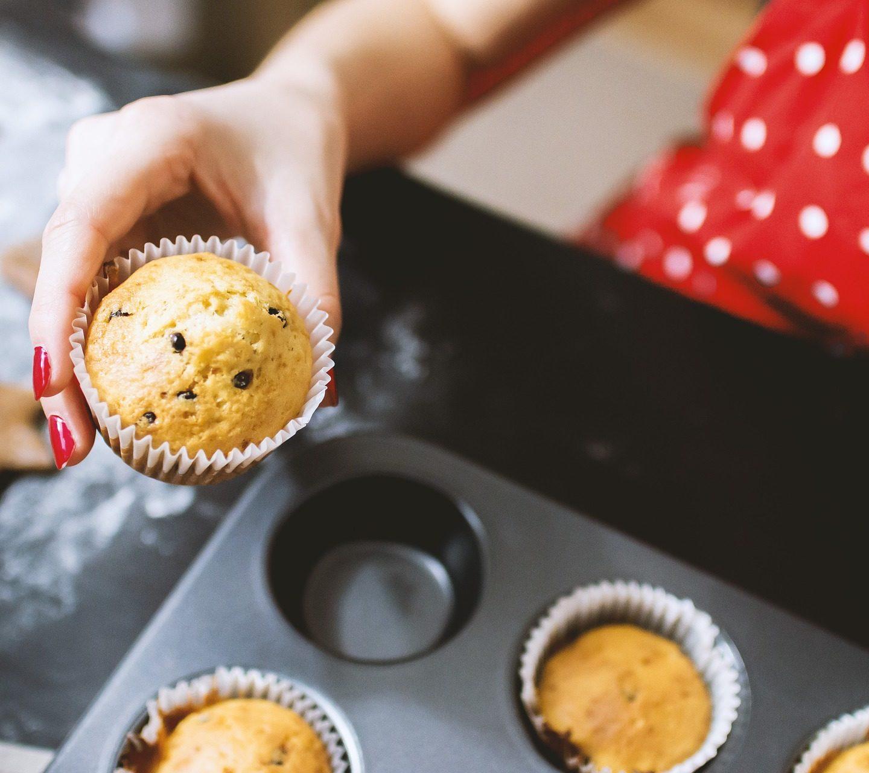 Pieczenie ciasta wdomu, awymogi Sanepidu. Czyjest możliwe prowadzenie działalności gastronomicznej wewłasnej kuchni wmieszkaniu? AKTUALIZACJA