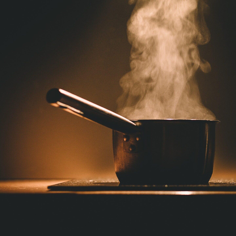 BHP wlokalach gastronomicznych. Wypadki wpracy iinformowanie pracownika oRyzyku Zawodowym nastanowisku pracy.